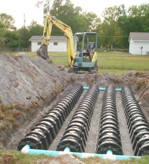 Монтаж дренажного поля каналізації