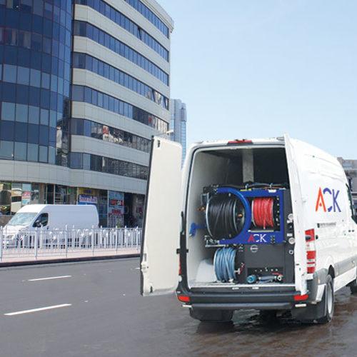 Прочистка канализации в развлекательных центрах, кинотеатрах, СТО