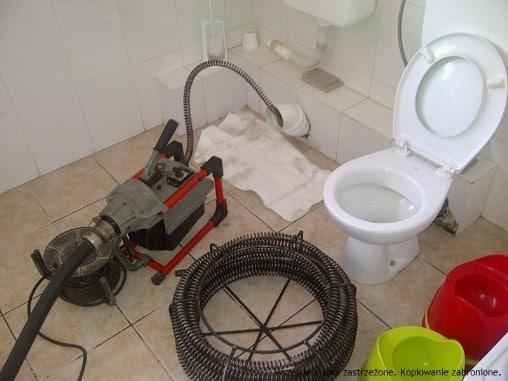 Чистка канализации в квартире, в частном доме