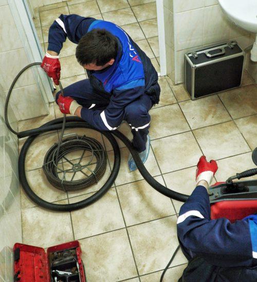 электромеханическая прочистка канализации