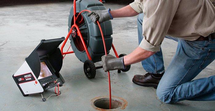 Как прочистить канализацию тросом?